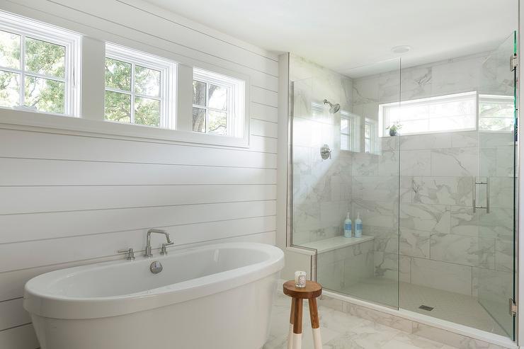 shiplap-wall-behind-tub